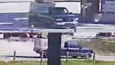VIDEO: Deputies searching for 2 carjacking suspects, victims still unaccounted for