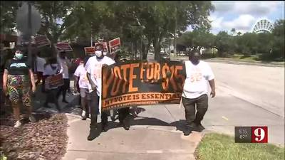 Video: Workers rally for higher wages same day Florida minimum wage bumps to $10