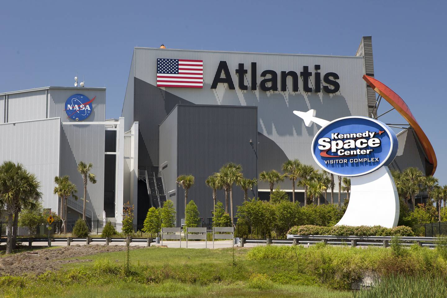 Kennedy Space Center to stay open late for overnight SpaceX Falcon 9 launch
