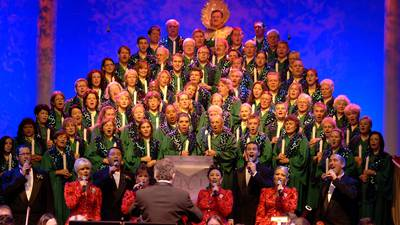 Celebrity narrators returning to Epcot's Candlelight Processional: See the list so far