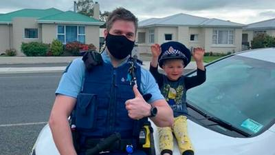 Kid calls police to tell them how cool his toys are